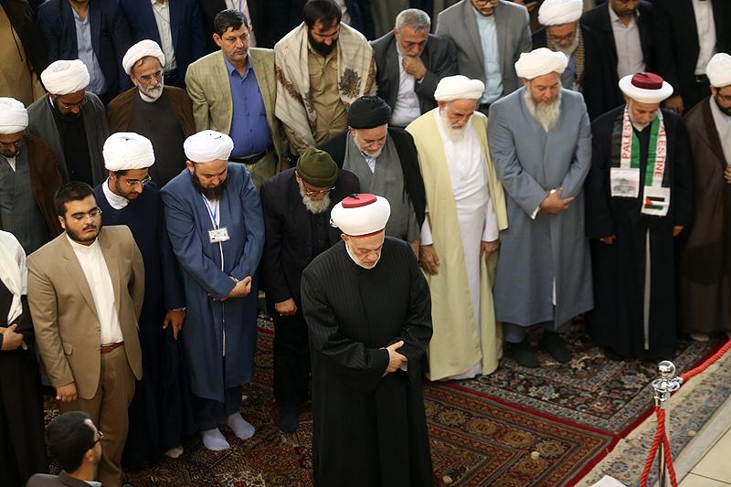 صلاة الوحدة في المؤتمر الوحدة الإسلامية