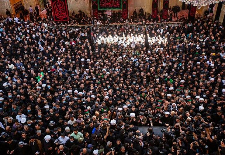تشييع المرجع الديني آية الله السيد محمد الحكيم في كربلاء